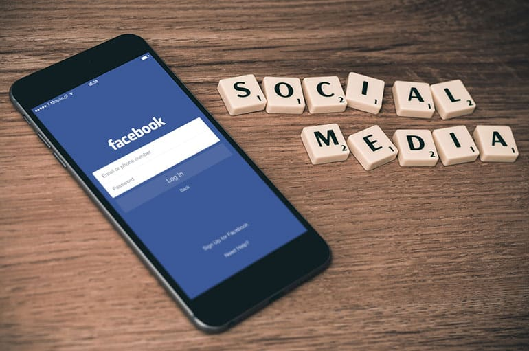 Facebook-is-tempting-to-regain-fame-by-investing-in-digital-learning-platform