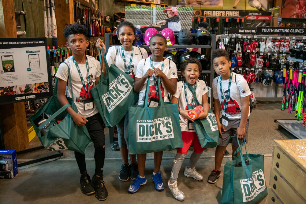 Dick's Sporting Goods Winning Strategies Behind Its Howling Retail Success - Fig 3