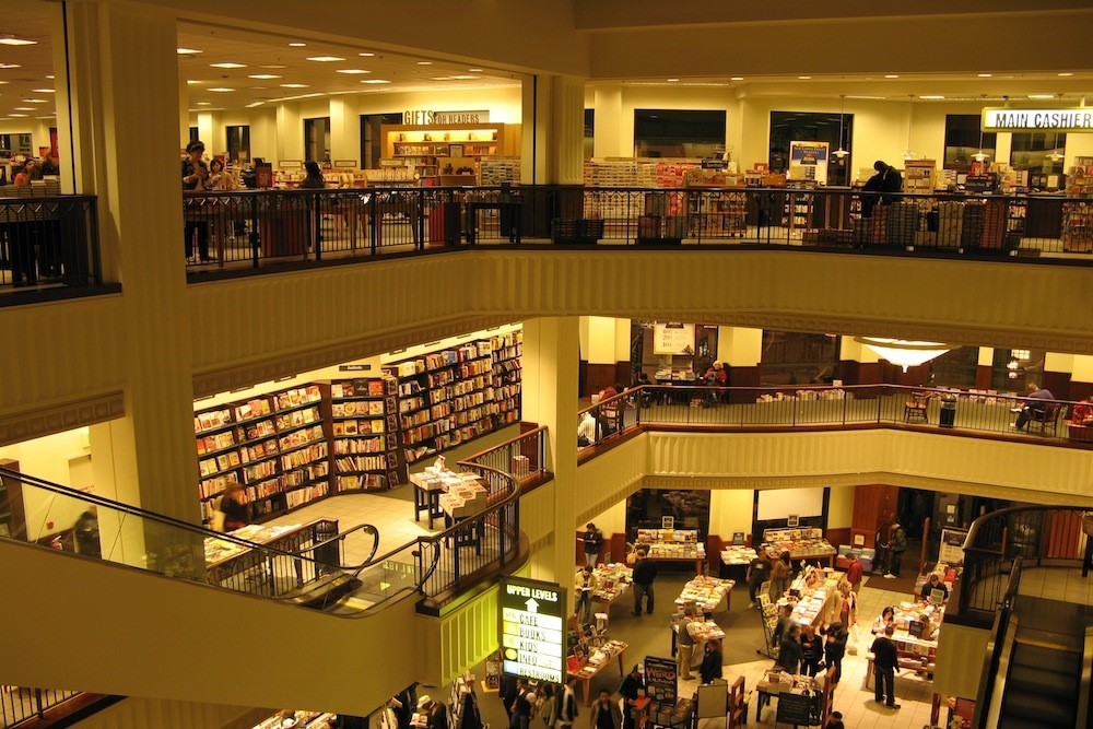 Can The Massive Bookstore Chain, Barnes & Noble, Survive In This Digital World-fig 1