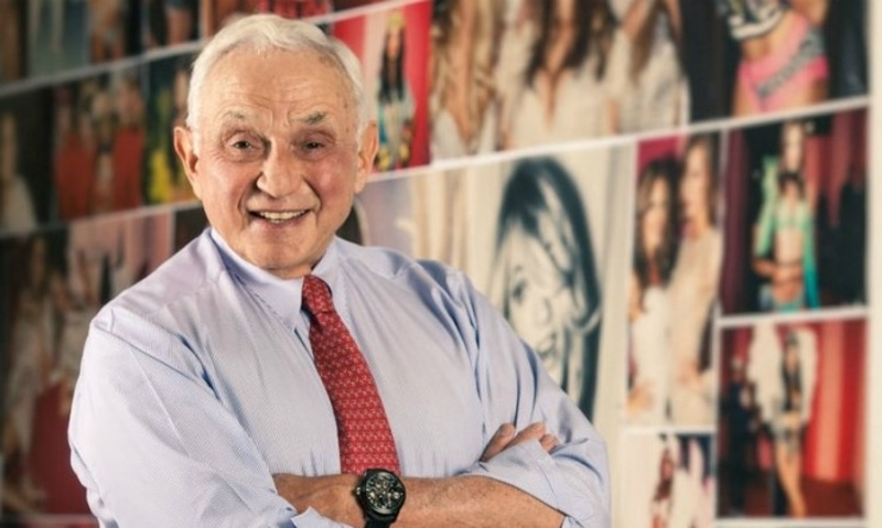 How Victoria's Secret Revolutionized Lingerie And Then Fell Behind-fig 1