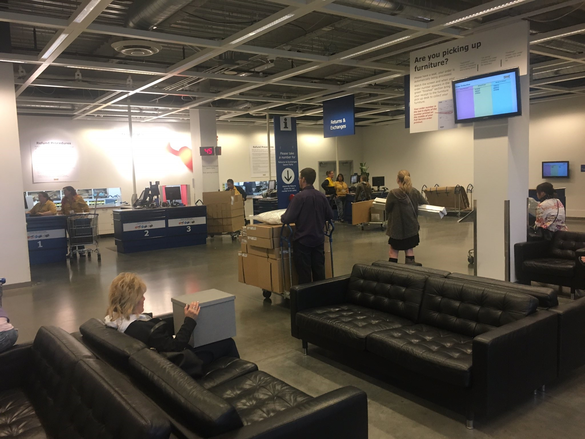 IKEA's Success From A Tiny Mail-Order Store To The World's Largest Furniture Retailer-fig 2
