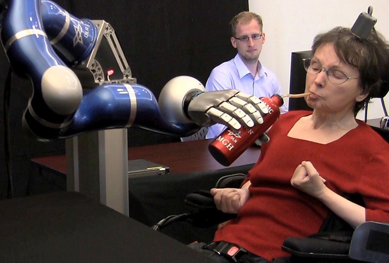Neuralink demo on patient