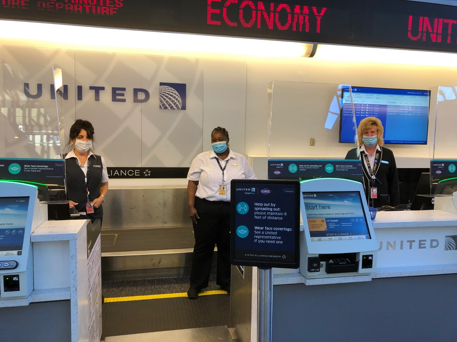 United airlines kios and counter