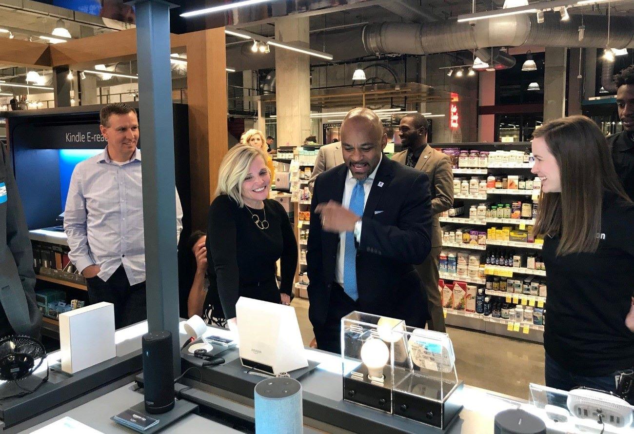 Denver mayor visit a Whole Foods store in downtown Denver