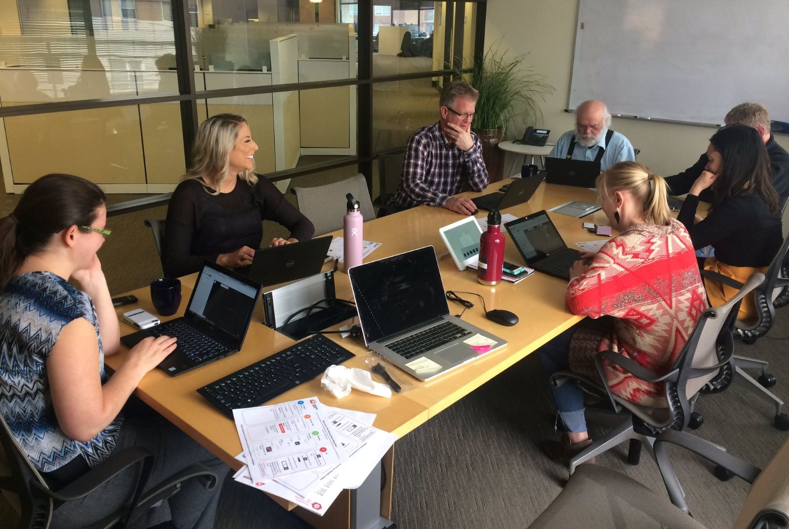Blackrock staff in Denver office collaborate on client's performance review