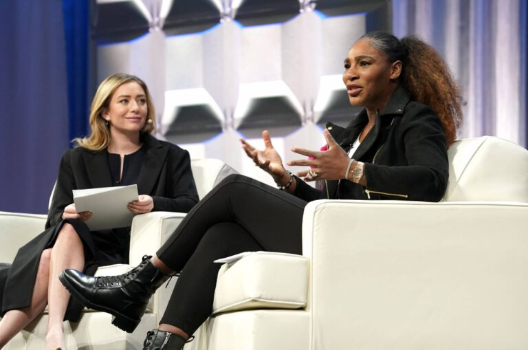 Serena Williams gave talk to the audience at a conference