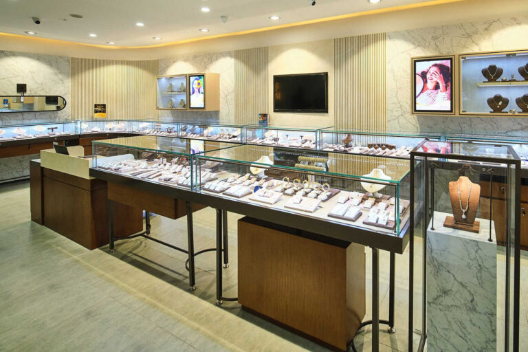 Strategic Practices for Jewelry Businesses to Appeal More Customers