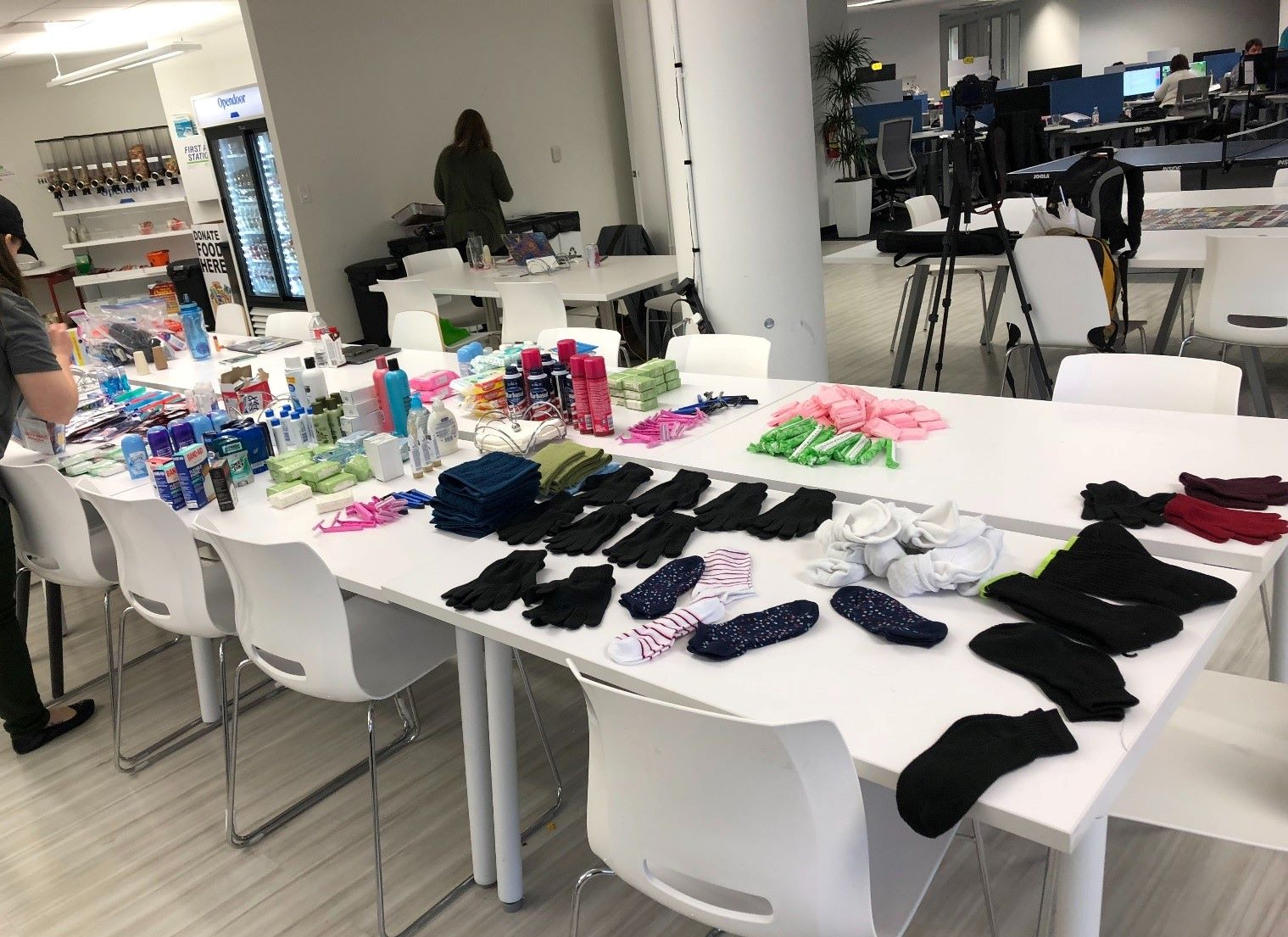 Opendoor staff prepare gift for charity