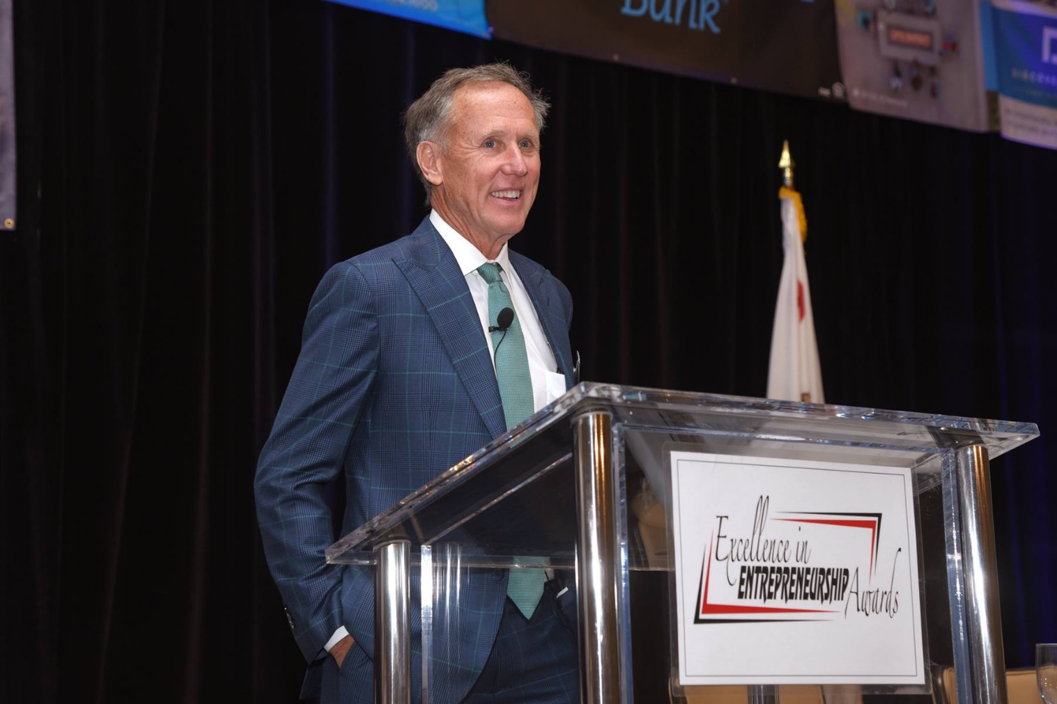 R.D Olson CEO and leader speak in an entrepreneur event