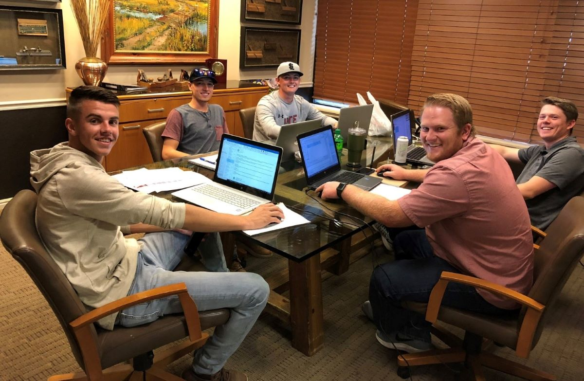 R&O Construction young professionals collaborate
