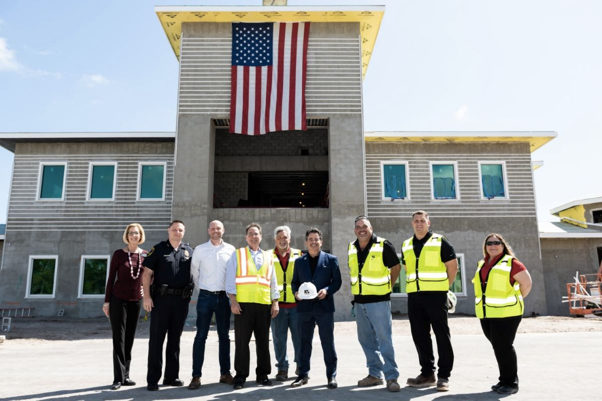 Kaufman Lynn Construction engineers collaborate with local authorities at the job site