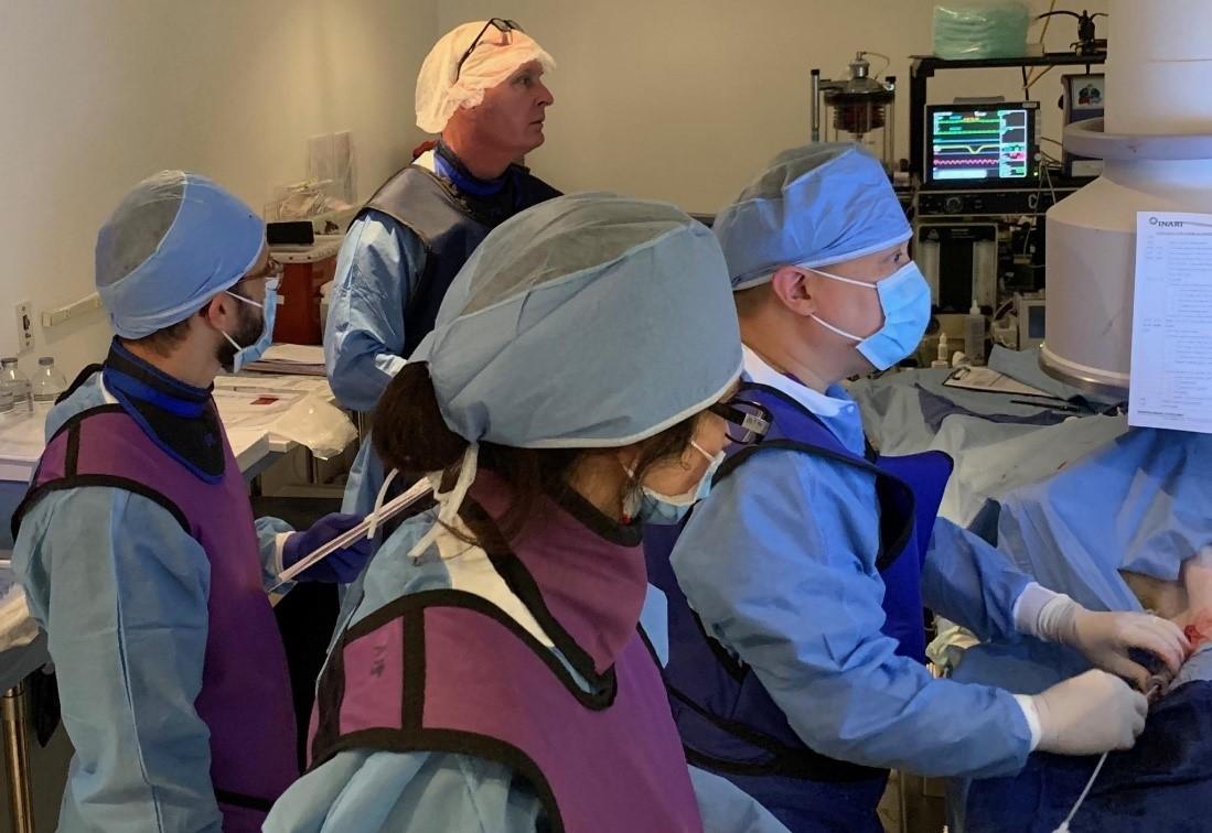 Inari Medical staff in a surgery procedure